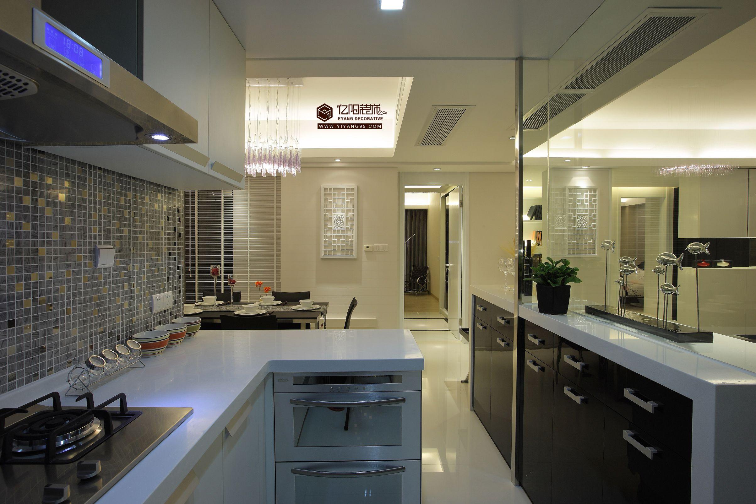 現代簡約裝修半開放式廚房效果圖