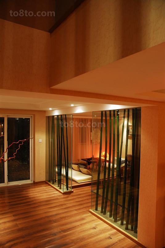 家庭客厅玻璃隔断效果图