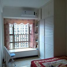 精选74平米二居卧室现代装饰图片