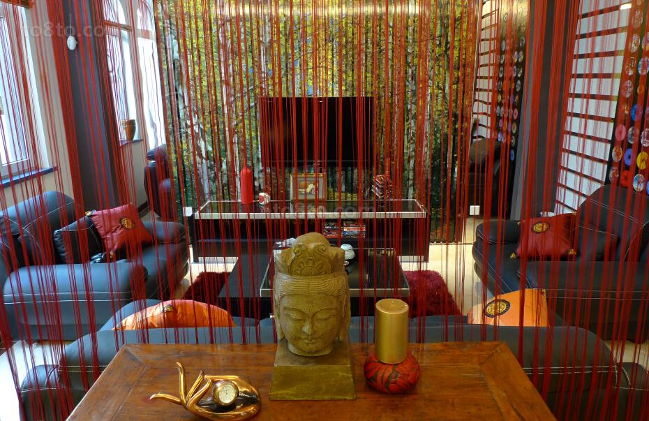 东南亚风格客厅隔断装饰设计效果图