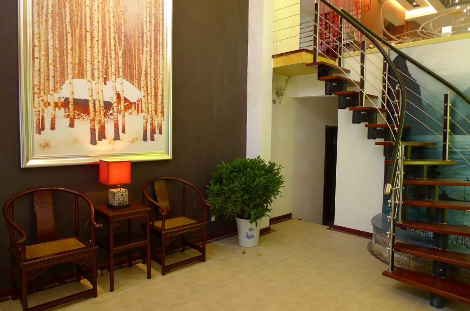 东南亚豪华复式楼梯设计