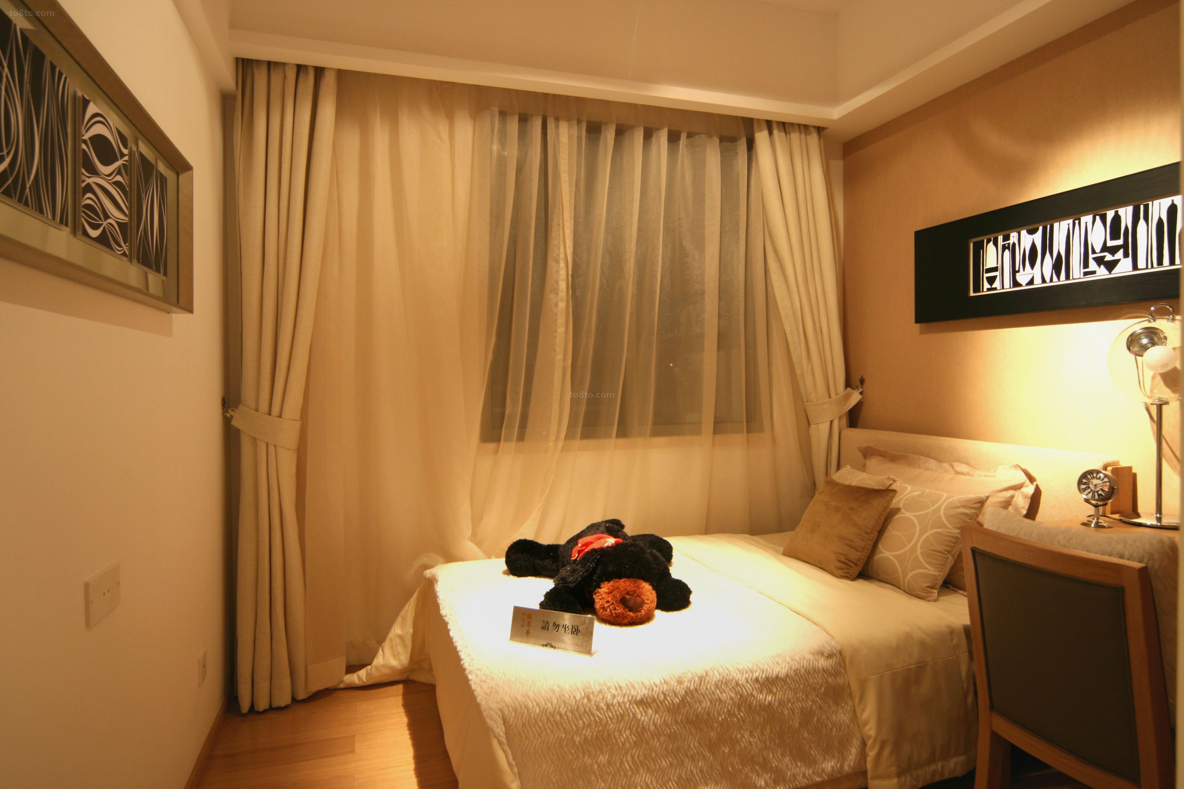 精美83平米简约小户型卧室装饰图片欣赏