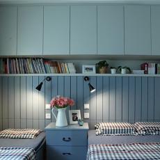 现代风格卧室床头柜装修图片
