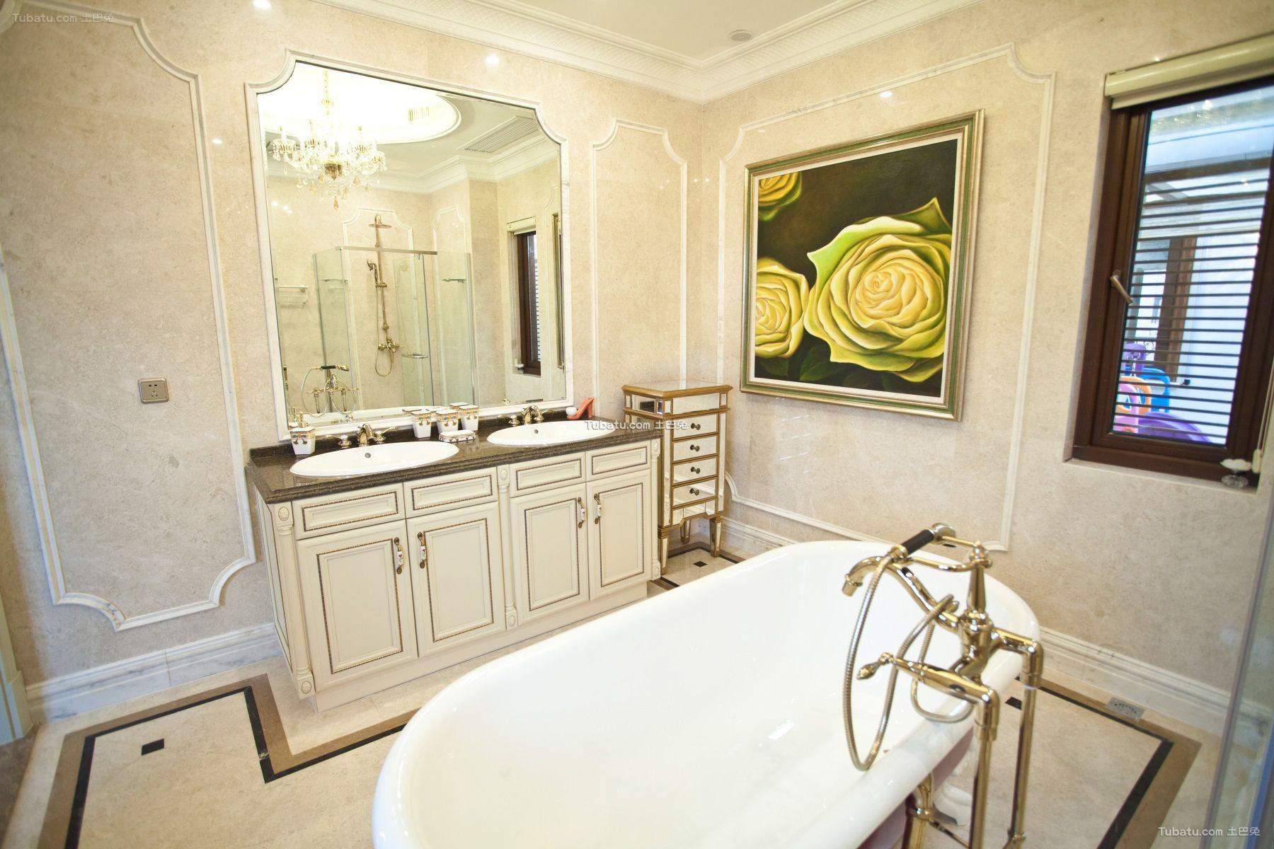 白色欧式浴室家具图片