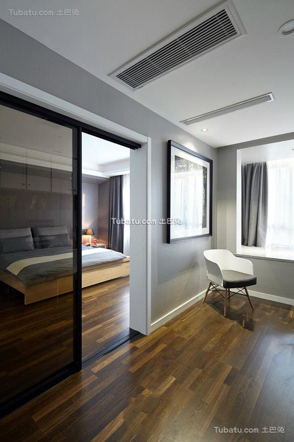 最新简约卧室玻璃门图片