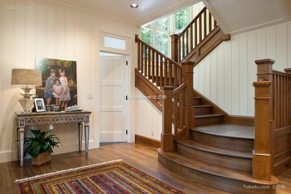 美式装修设计楼梯效果图欣赏