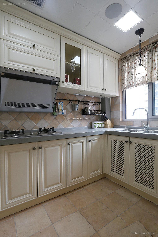 时尚美式家居白色厨房效果图欣赏