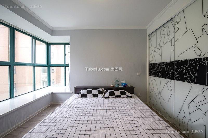 简约风格大飘窗卧室设计图片
