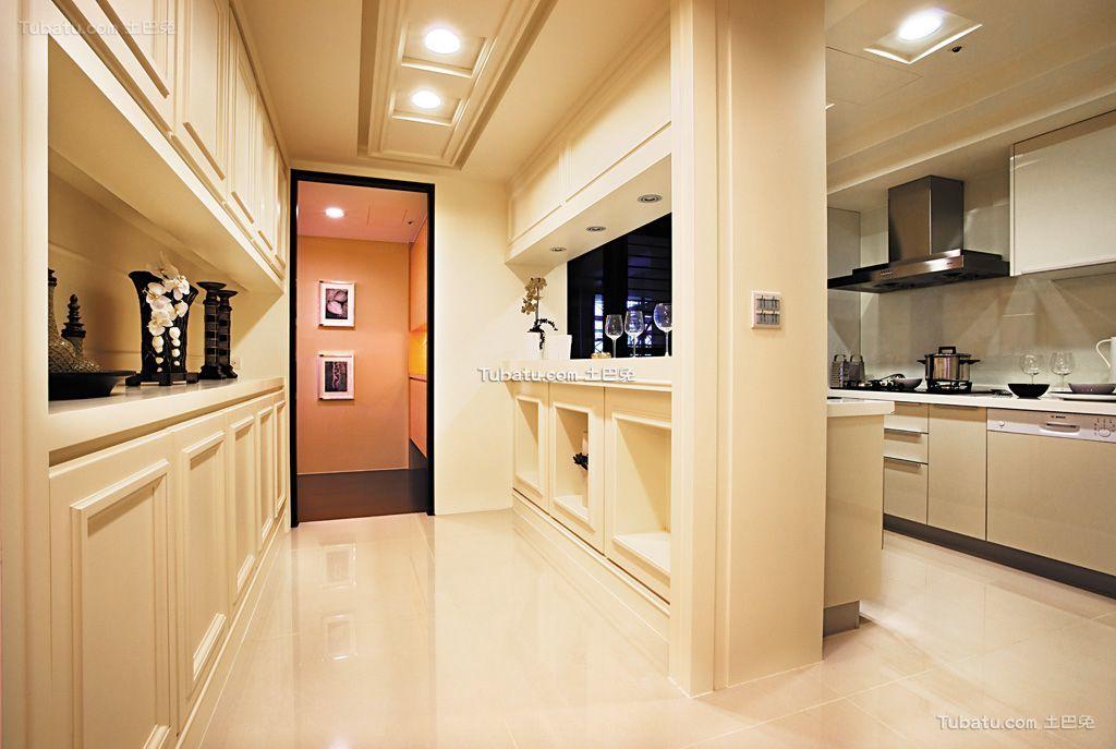 欧式暖色调隔断装修室内效果图