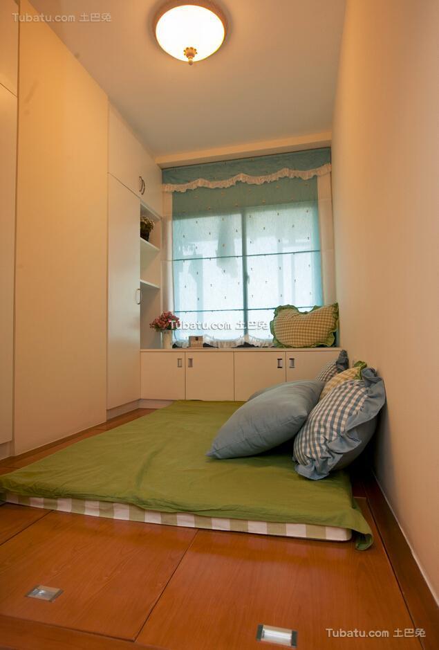 89方地中海两居室榻榻米装修案例