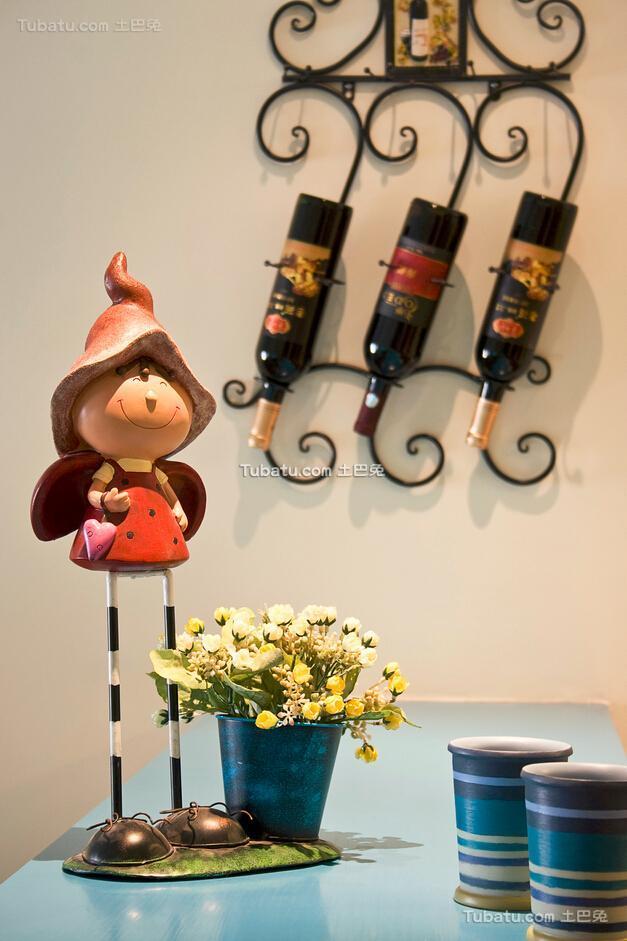 清新可爱地中海风格家居餐桌装饰效果图