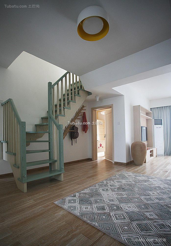 现代复式楼梯设计装修