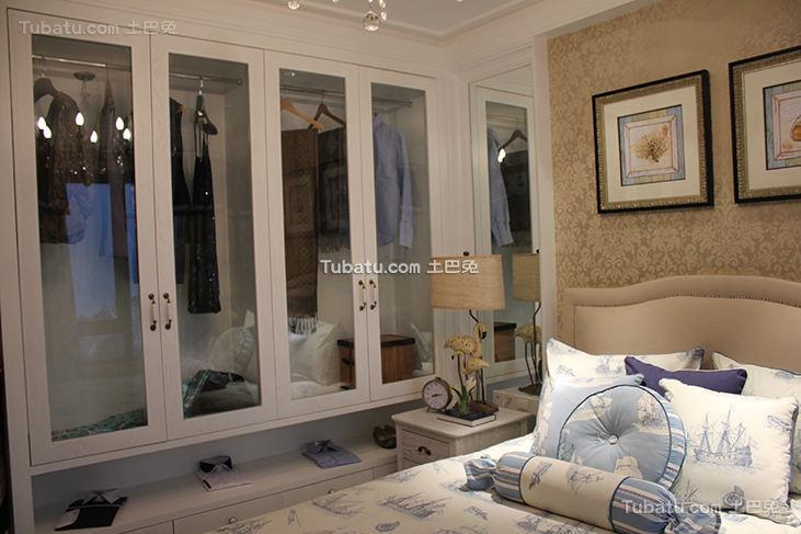 地中海风格卧室衣柜装修