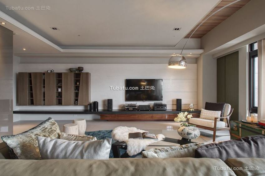 现代130平米三居室内设计图片