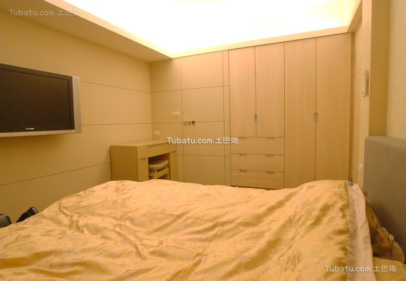 现代家居卧室装修展示