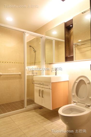 现代简约家庭卫生间图片