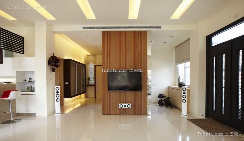 现代木质电视背景墙装修