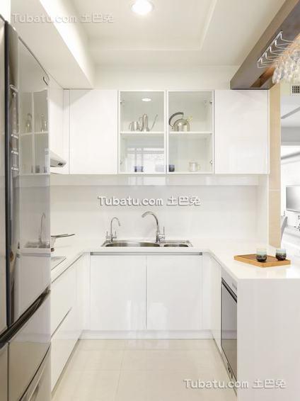 现代厨房装修案例展示