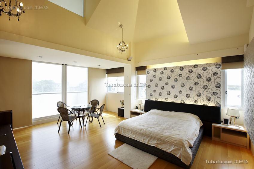 现代阳光卧室装修