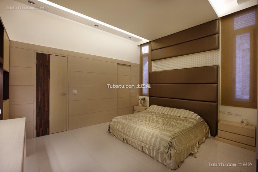 现代卧室自然装修