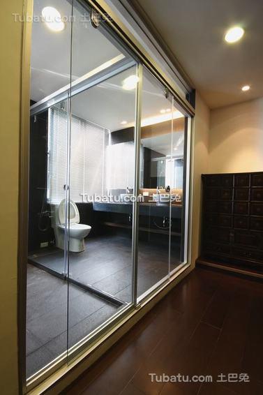 现代玻璃隔断间装修