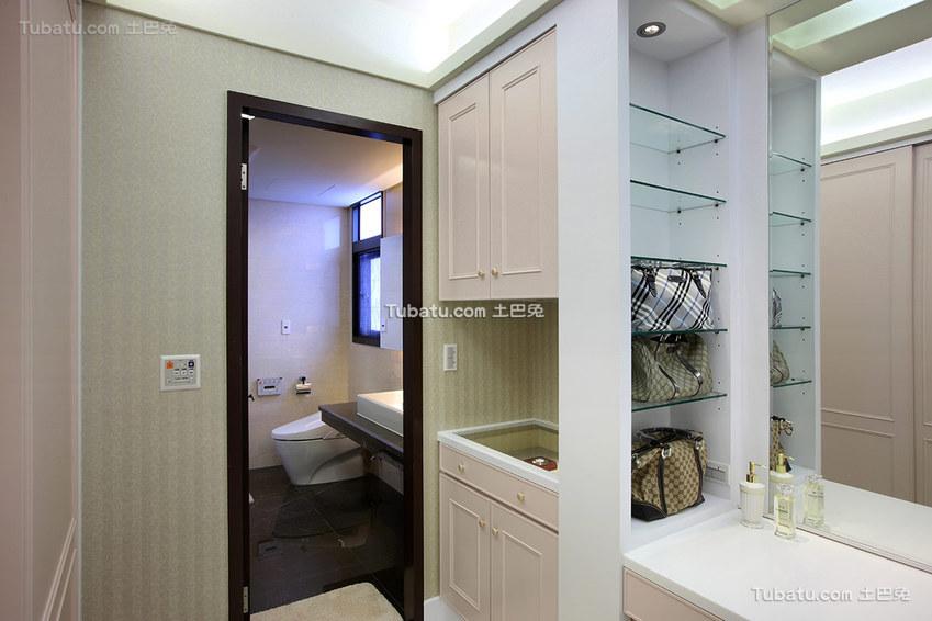 2015现代风格四居室卫生间装修设计图片