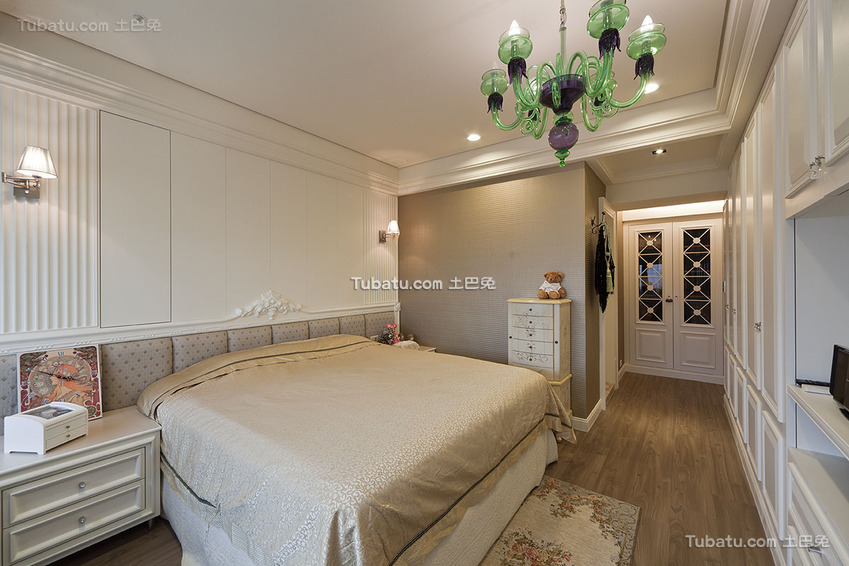 时尚新古典卧室装修