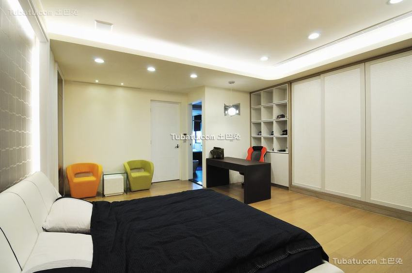 现代时尚卧室装修示例