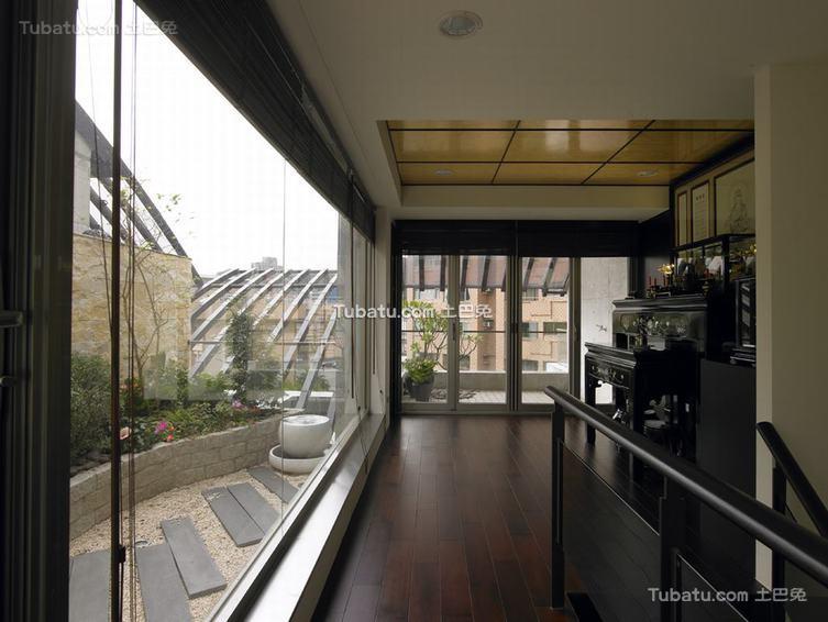 现代家居楼梯口装修