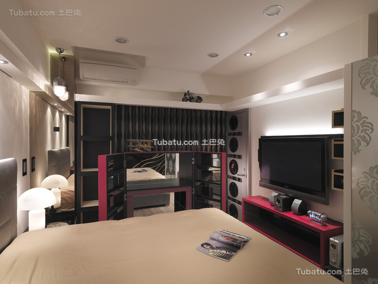 现代卧室装修小隔断展示