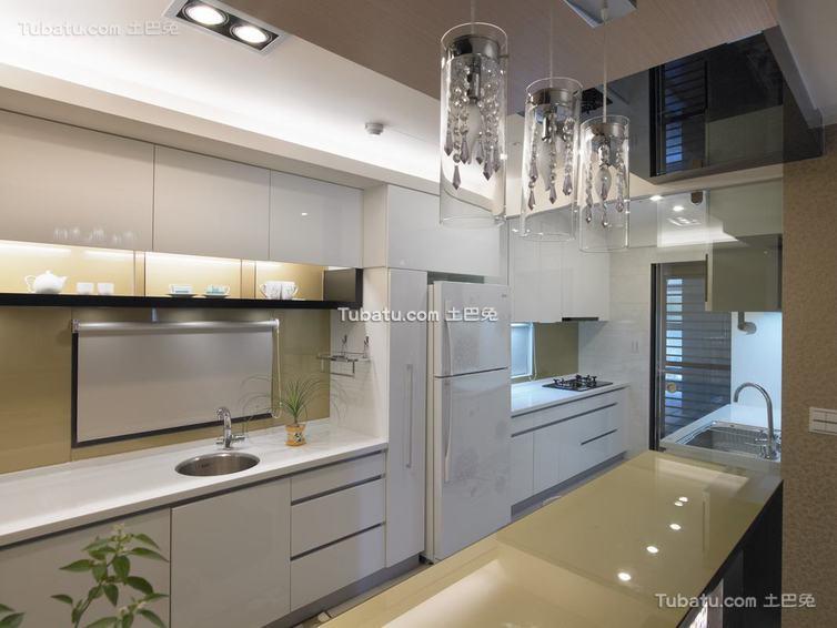 现代家居厨房装饰效果图