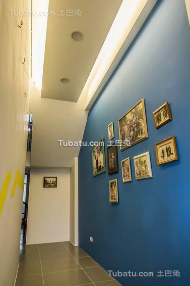 简约温馨房间相片墙布置效果图片