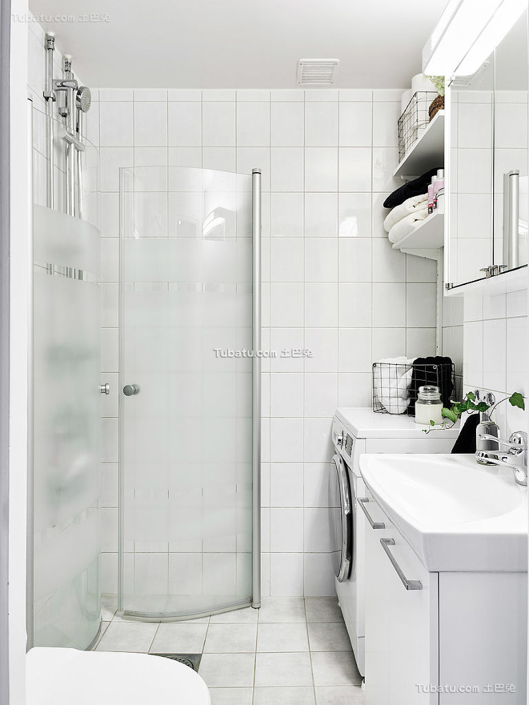 极简北欧风格卫生间装修典例