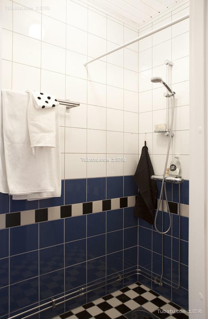 蓝色马赛克北欧浴室装修