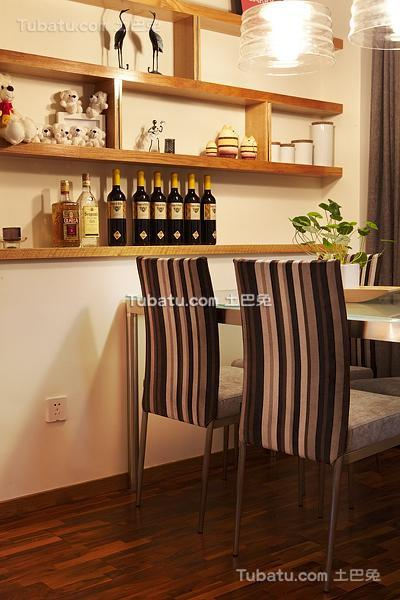 现代温馨餐厅居家装修