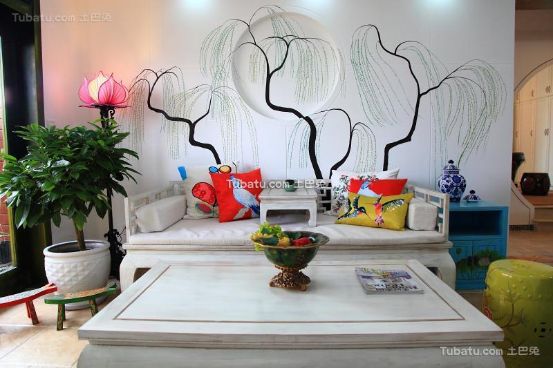 轻中式家居客厅装修设计
