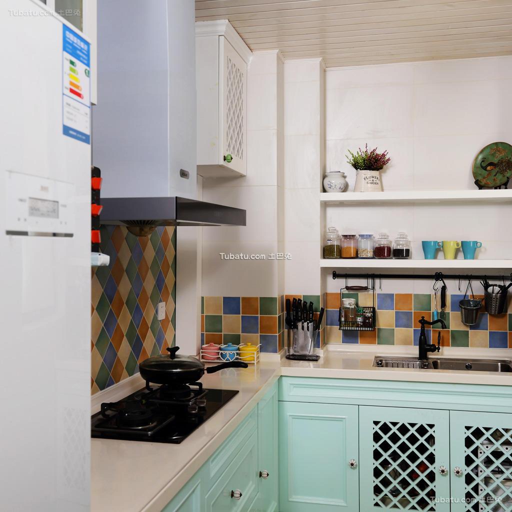 彩色贴砖厨房混搭装修