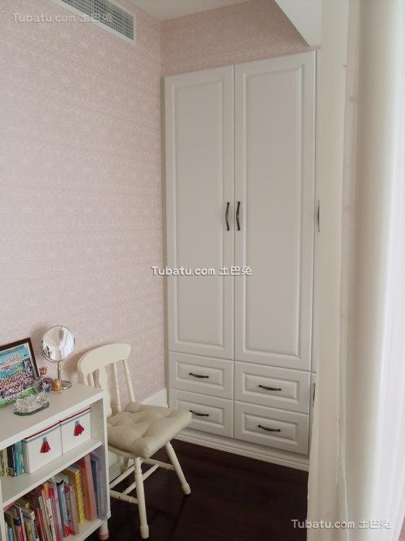 现代简约房间衣柜图片