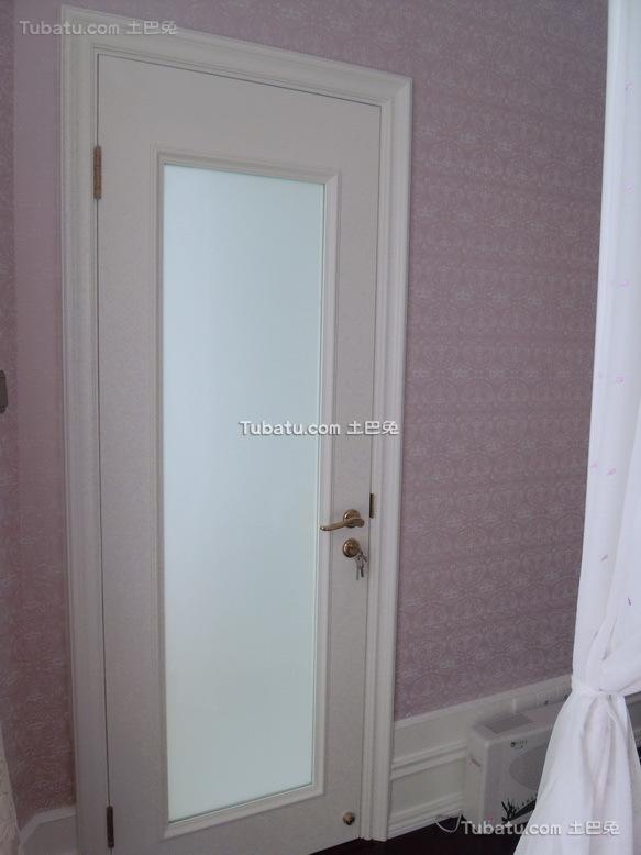 现代卧室门设计装修效果图