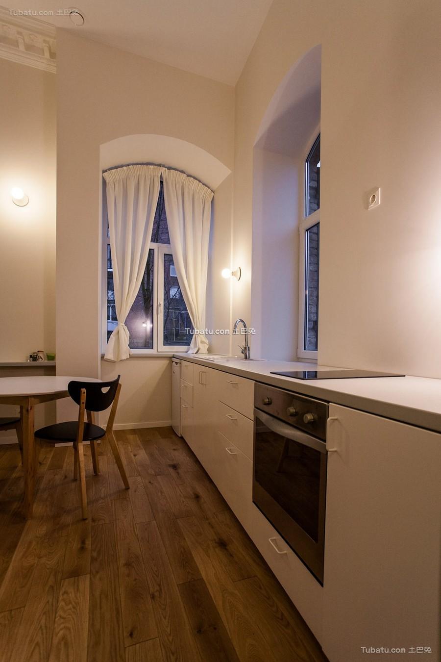 现代简约开放式厨房装修图片