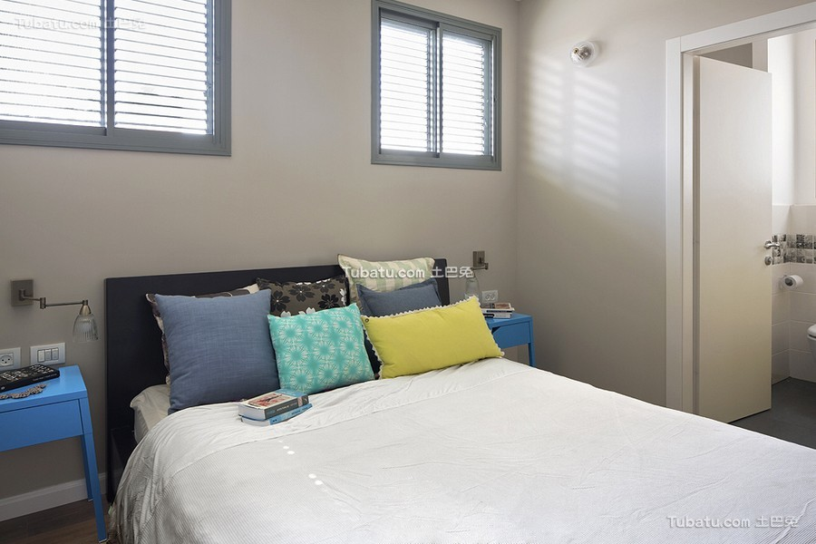 时尚现代卧室装修布置