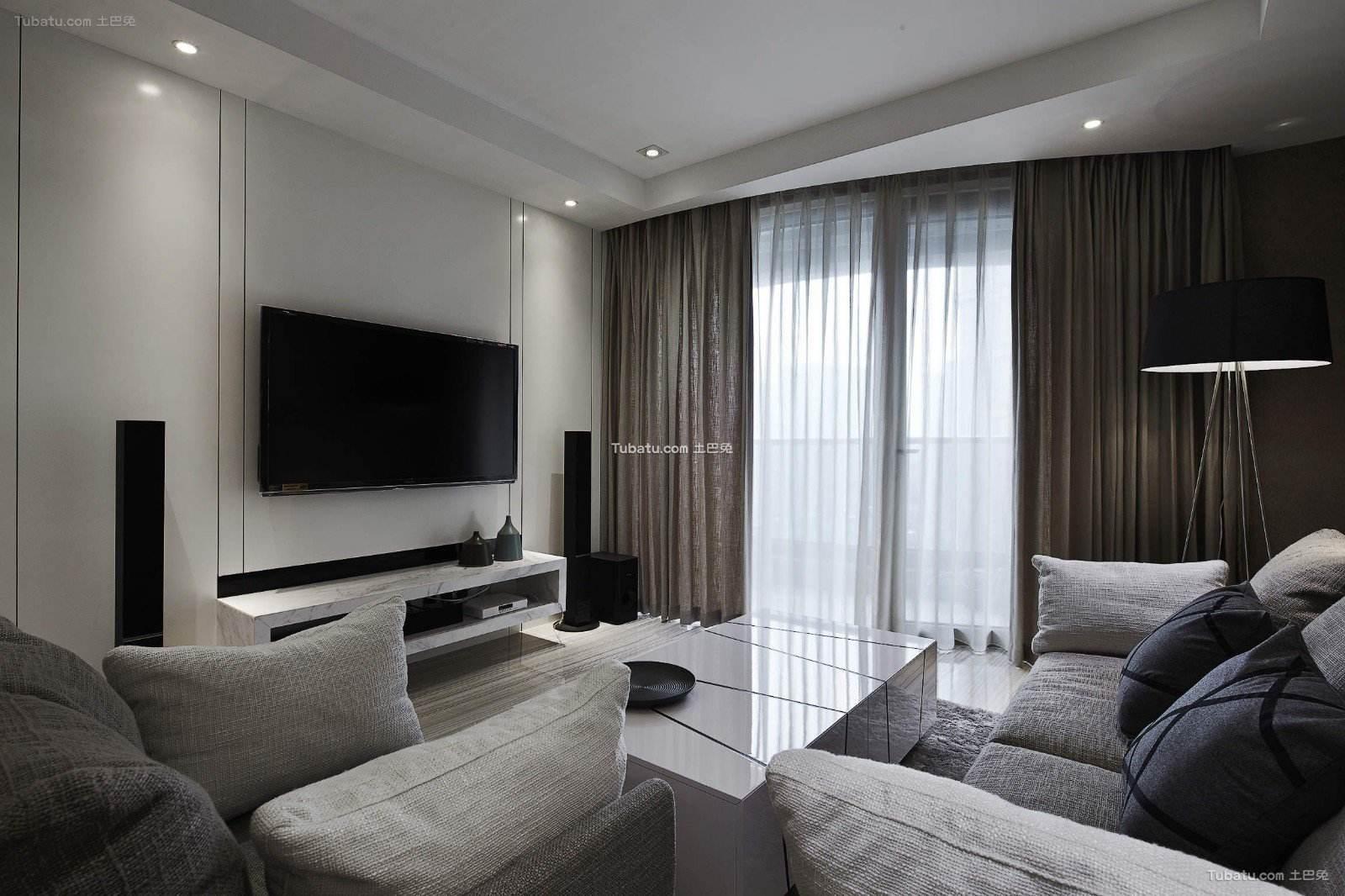 现代灰色主题三居装潢