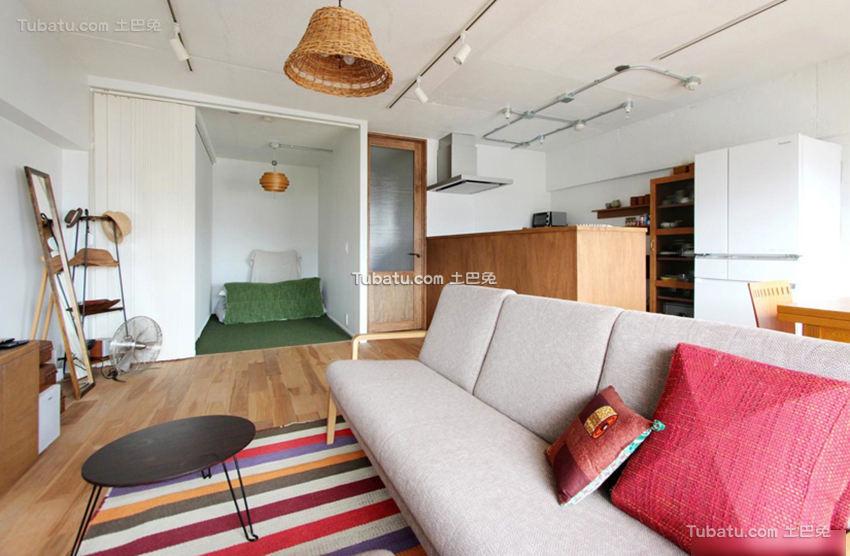 北欧原木风格客厅布置