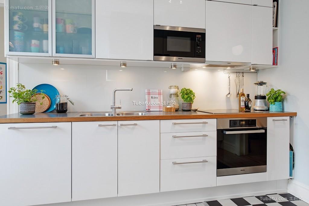 白色简洁北欧厨房装修