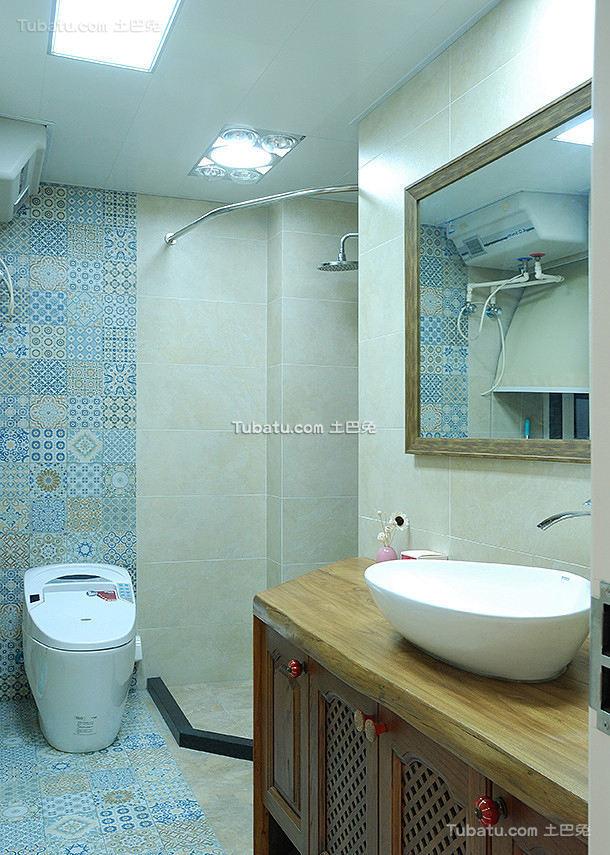 美式公寓卫生间室内设计效果图
