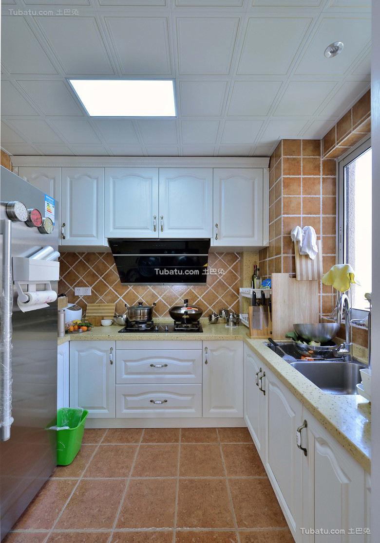 美式家居厨房设计装饰效果图