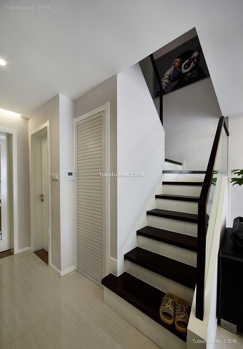 现代简约复式楼梯装饰效果图