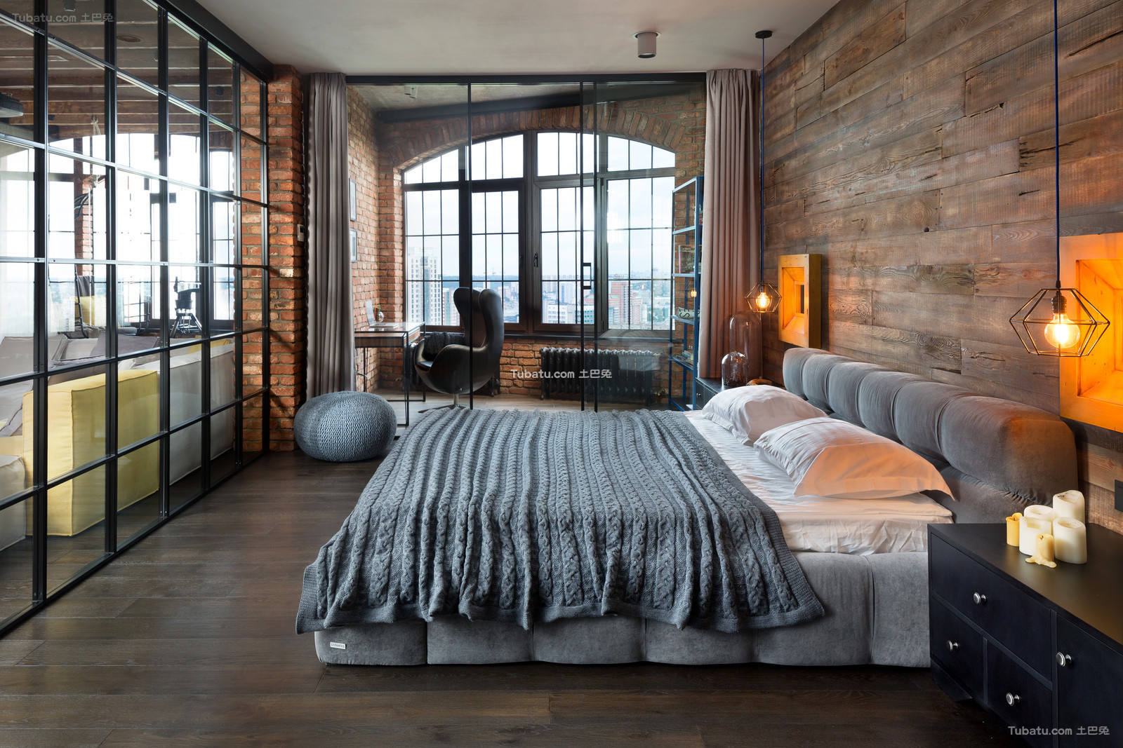 复古装修高大卧室图