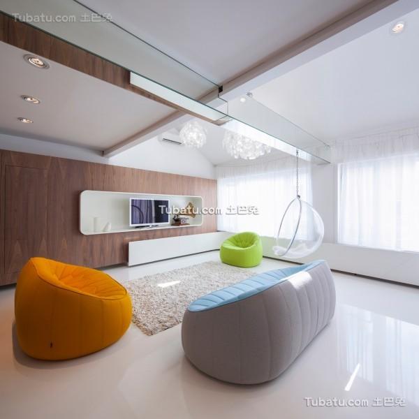 简约唯美的loft客厅设计