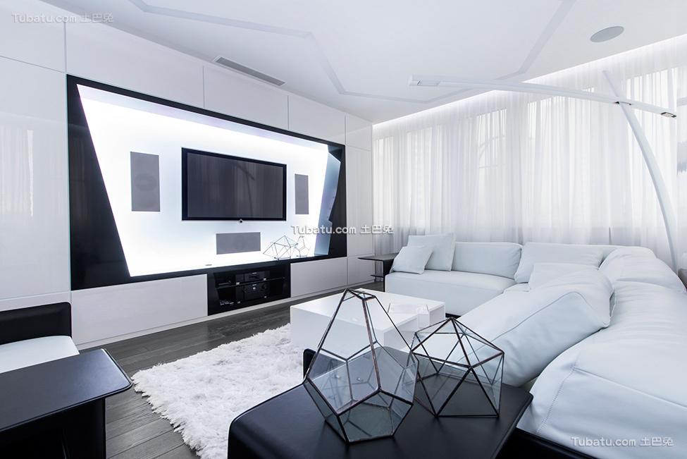 未来感的黑白一居室设计